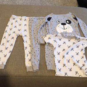 Lot of 2 Carter's Pajamas 24 months